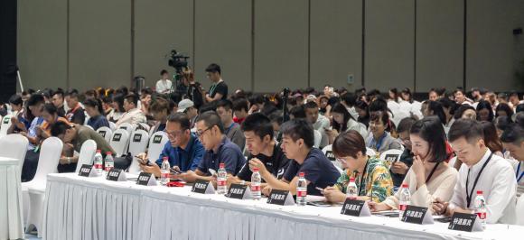 钱塘江畔 国际博览中心 见证中国制造诺维雅